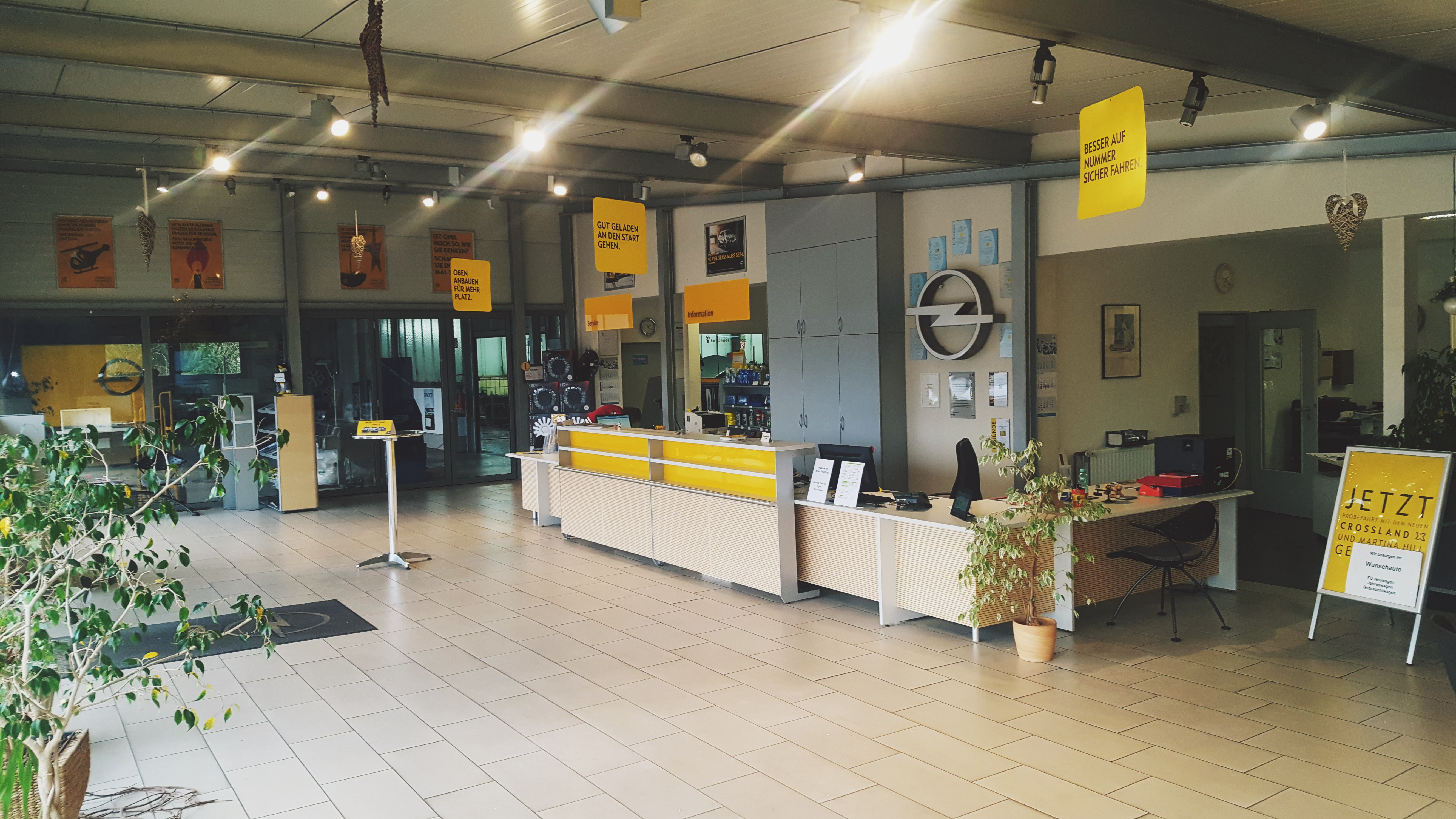 Weiss Autohaus